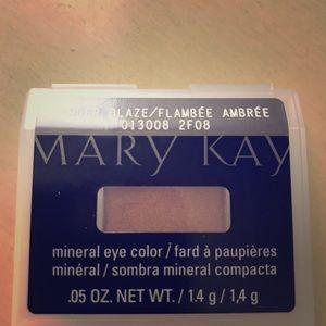 "Mary Kay Mineral Eye Color ""Amber Blaze"""